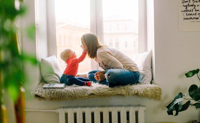 Aider un bébé à apprendre à parler